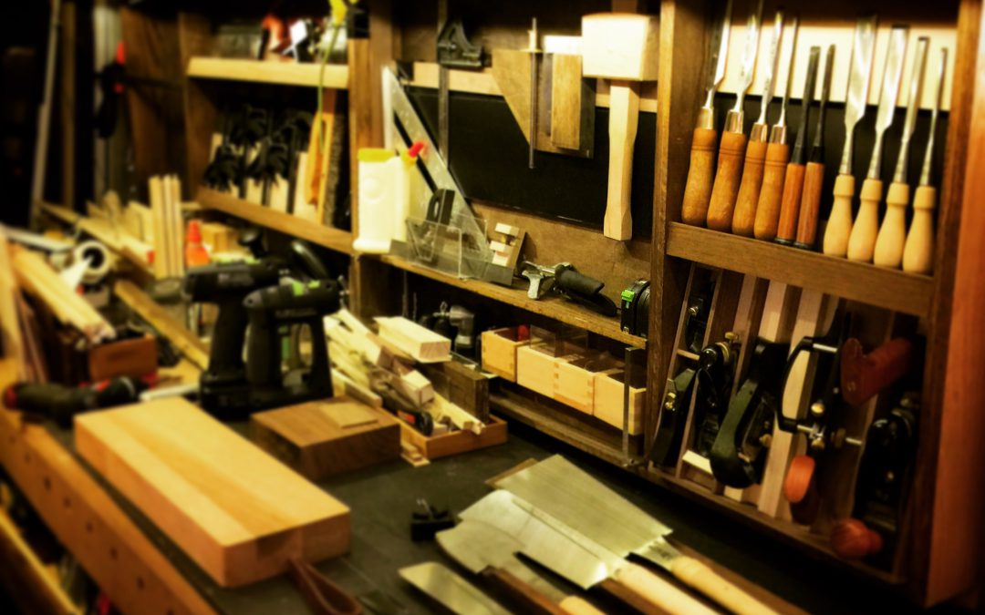 Workbench and hand tool display