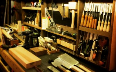 Workbench and hand tool display